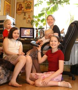 Неработающая мама четырех детей Анна ГАЛЬПЕРИНА