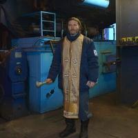 Священник в забое: русские рабочие молятся в шахтах Шпицбергена