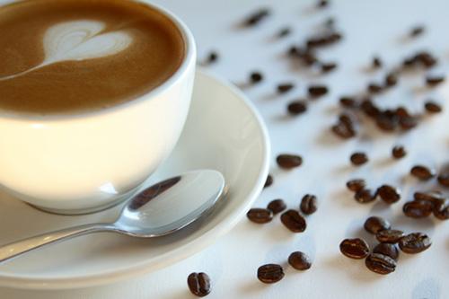 Только пить кофе