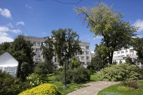 Где купить парки в москве