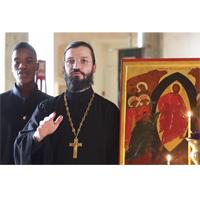 Поем вместе: тропарь «Христос Воскресе» и кондак «Аще и во гроб»