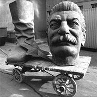 Дмитрий Узланер: современный сталинизм – культ государства и страх маленького человека